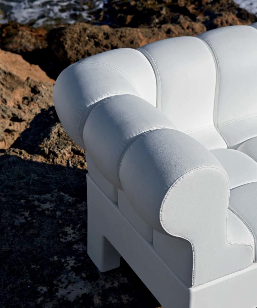 divano-componibile-pvc-per-esterni-e-interni-casa-locali-bordo-piscina