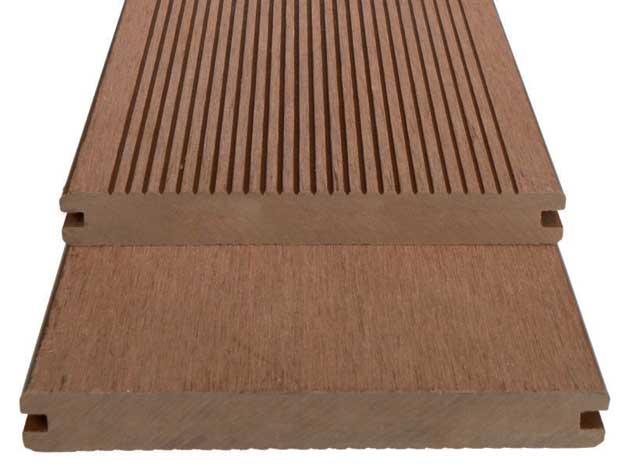 Pavimenti per esterni nocco materie plastiche for Pavimenti da esterno leroy merlin