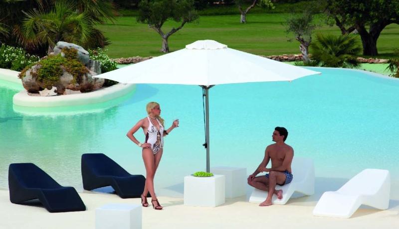 Arredo giardino nocco materie plastiche for Sedute per piscine